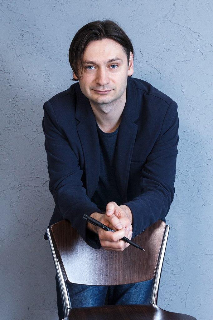 Лето Владислав Андреевич. Психолог, гипнотизер.